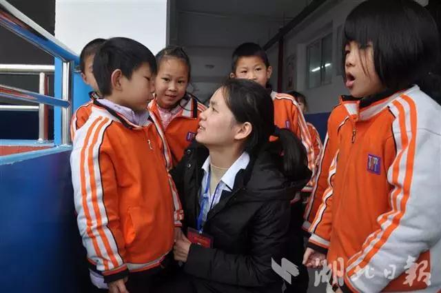 湖北日报:大悟书生学校相助,寒门小姐妹命运转折!